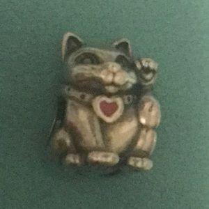 Pandora lucky kitty charm
